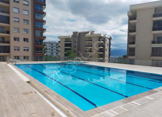 PANORAMA EVLERİNDE DENİZ VE SEYİRTEPE MANZARALI 3+1 DAİRE - Yüzme Havuzu