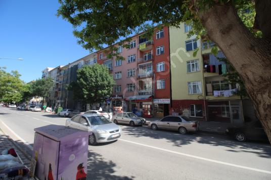 BÜYÜK BÖLCEKDE ANA CADDE ÜZERİNDE SATILIK 3+1 DAİRE - Sokak Cadde Görünümü