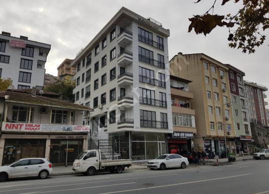 Alibeyköy Bilgi Üniversitesi Yakınında Cadde Üstünde 2+1 Satılık - Dış Cephe