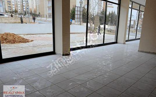 TUZLA MİMARSİNAN'DA SATILIK 524 M2 DEPOLU DÜKKAN - Balkon - Teras