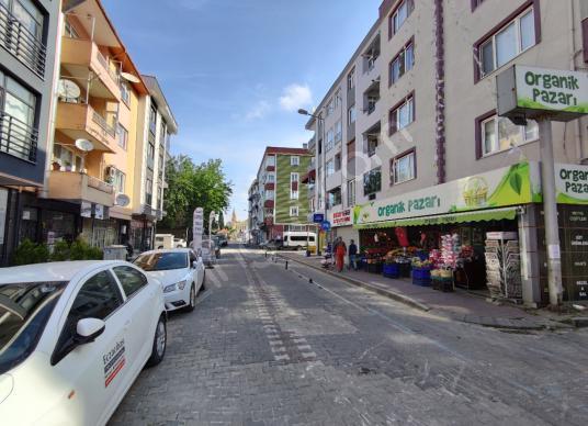 Barbaros Mah. Plaj Bölgesi 1+1 Ara Kat Satılık Daire - Sokak Cadde Görünümü