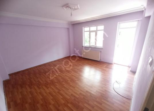 HOME'DEN İSMETPAŞA MAH'DE KİRALIK DAİRE! 2+1 110M² ARA KAT !! - Salon