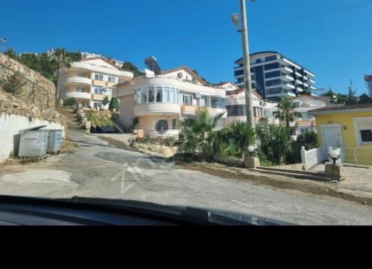 Alanya Mahmutlar'da Satılık Çiftlik Evi - Sokak Cadde Görünümü