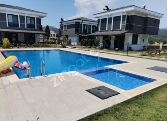 MERKEZ EMLAKTAN DOĞANBEYDE HAVUZLU SİTE İÇERİSİNDE SON VİLLA - Yüzme Havuzu