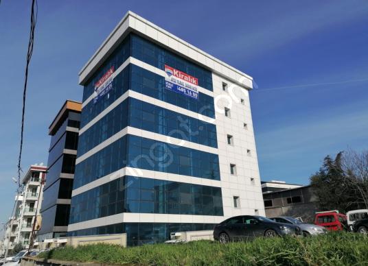 Maltepe E5 den Görünür 3100 m2 Kiralık Plaza - Dış Cephe