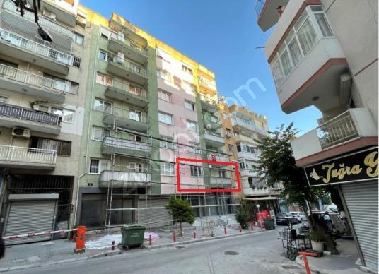İzmir Konak Atilla Mahallesi 'nde 3+1 Yenilenmiş Satılık Daire! - Dış Cephe