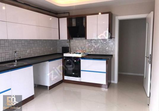 Muratbey mahallesinde Site içerisinde satılık lüks daire - Mutfak