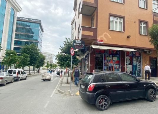 40 square meters Store / Shop For Sale in Bağcılar, İstanbul - Sokak Cadde Görünümü