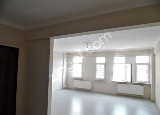 Kadıköy Raşimpaşa'da Rıhtıma yakın 2+1 110 m2 Full yapılı Daire! - Salon