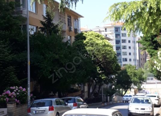 Kadıköy Zühtüpaşa'da Satılık Daire 4+1 YATIRIMLIK Ara Kat - Sokak Cadde Görünümü