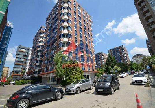 Suadiye Bağdat Caddesi 2. Bina Büyükhanlı Konakları 4+1 Ofis - Açık Otopark
