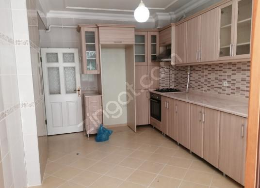 ELİF EMLAKTAN CUMHURİYET MAHALLESİNDE 180 M2 SATILIK DAİRE - Mutfak