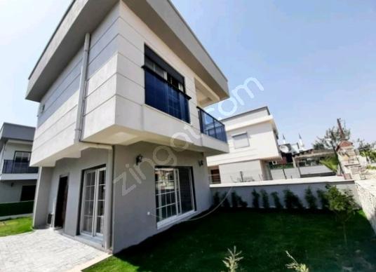 Kuşadasında satılık tek müstakil villa - Dış Cephe