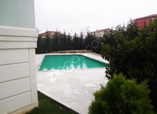 SATILIK SİTE İÇİ 3+1 DAİRE ( KOMİSYON YOK ) - Yüzme Havuzu