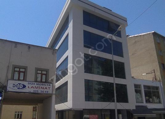 KOLLEKTİF EMLAKTAN  KİRALIK KOMPLE BİNA - Açık Otopark