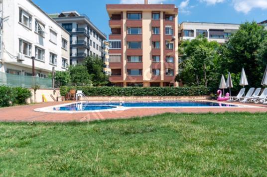 Moda Dr. Esat Işık Cad. Üzerinde Havuzlu Otoparklı 4+1 - Yüzme Havuzu