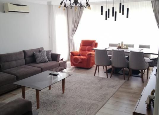 ORDU BULVARI ÜZERİNDE BAKIMLI 135 m2 3+1 GÜZEL DAİRE  L-10042 - Salon