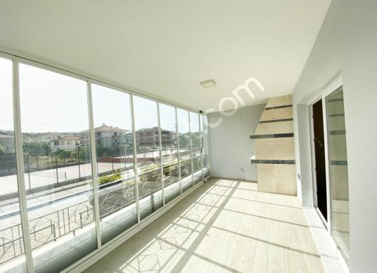 ÇEŞME MERKEZ'DE SATILIK DAİRE - Balkon - Teras
