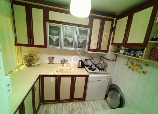 Fırsat !! Bayraklı Sevgiyolunda 85 m2 Ara kat 2+1 Satılık Daire - Mutfak