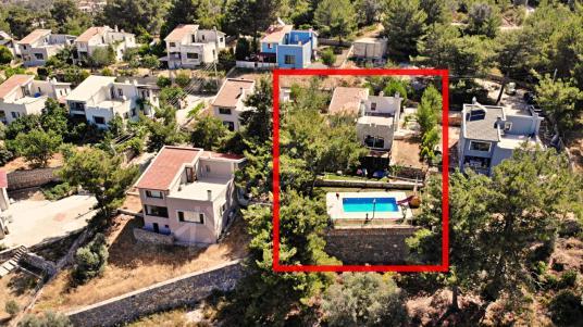 900 M2 Müstakil Bahçe İçinde Havuzlu 4+1 Villa - Manzara