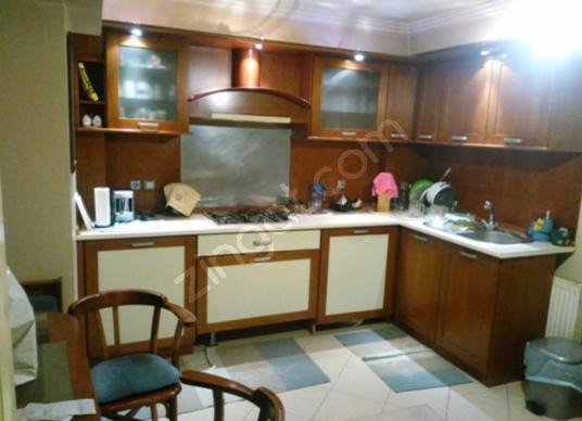 Karşıyaka Bostanlı'da Villalar semtinde ara dubleks daire 3+1 - Mutfak
