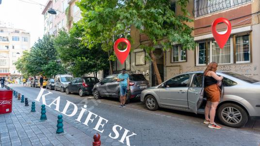 Kadıköy Kadife Sokakta, Yatırımlık, İçi Yapılı, 2+1 Satılık! - Sokak Cadde Görünümü