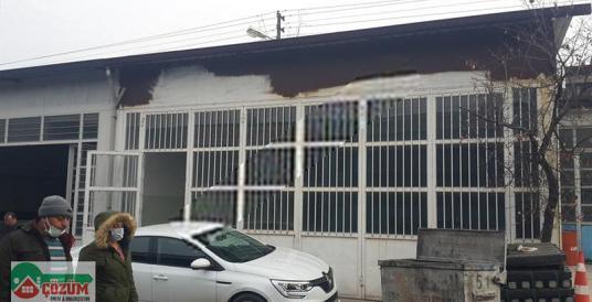 ÖZSAN SANAYİ SİTEDE ÖZEL YAPILI 250M2 SATILIK DÜKKAN - Açık Otopark