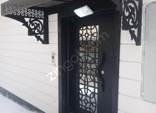 Kuşadası Cumhuriyet'te Satılık Ev Ofis - Balkon - Teras