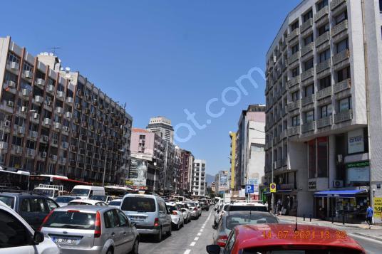 Emin Emlak'tan Kemeraltı cadde üstü ara kat - Sokak Cadde Görünümü