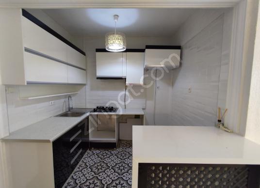 Kartal merkezde içi yenilenmiş 100 m2 2+1 kiralık lüks daire - Mutfak