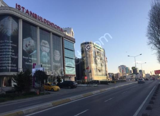 Ataşehir Küçükbakkalköy'de Satılık Plaza Ofisi - Sokak Cadde Görünümü