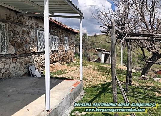 İzmir bergama katrancı istikmetinde satılık tadilatlı bakımlı ev - Bahçe