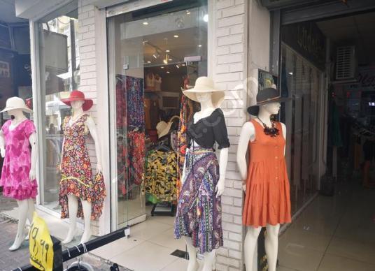 Karşıyaka Çarşıda Yatırımlık Kiracılı Satılık Dükkan - Çocuk Oyun Alanı