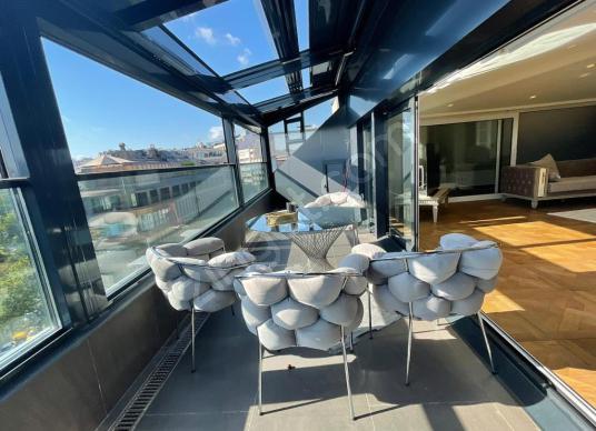 Nişantaşı'nda Boğaz Manzaralı 50m2 Teraslı Satılık Penthouse - Balkon - Teras