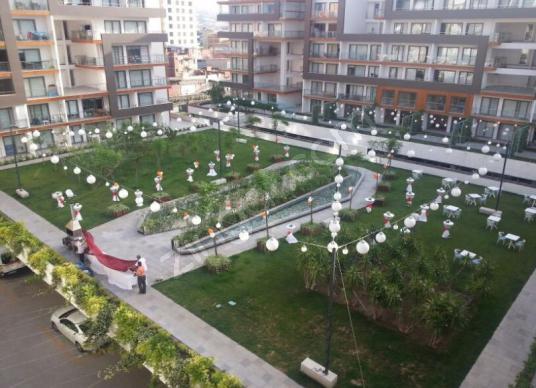 Bornova Myvia Bahçe'de Lüks 1+1 Eşyalı Kiralık Daire - Site İçi Görünüm