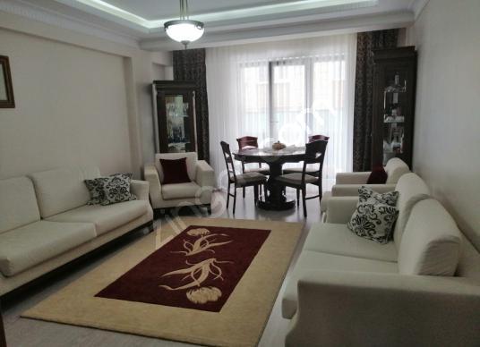 YAKAMOZ GAYRİMENKUL'DEN MİMARSİNAN MAHALLESİN'DE 3+1 SATILIK - Salon