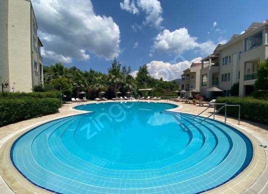 Armutalan'ın En Tercih Edilen Sitesinde Eşyalı Kiralık Şık 3+1 - Yüzme Havuzu