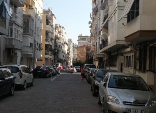 KARŞIYAKA SAHİL ÇARŞI VE İZBAN YAKINI TADİLATLI BAHÇE KATI - Sokak Cadde Görünümü
