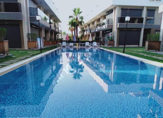 Dalaman Karaçalı'da Havuzlu, 2+1 Beyaz Eşyalı Satılık DAİRE - Yüzme Havuzu