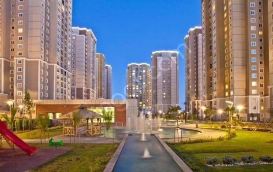Başakşehir METROKENT kiralik daire شقة فاخرة للايجار - Site İçi Görünüm