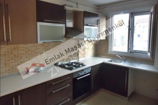 Göztepede Marmaraya Yakın Yeni Binada 2+1 Daire EMLAK MASASI - Mutfak