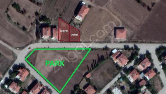 İLBEY II Şuhut_İstiklal Mah. 733m² Güney Cephe 2 adet Arsa - Sokak Cadde Görünümü
