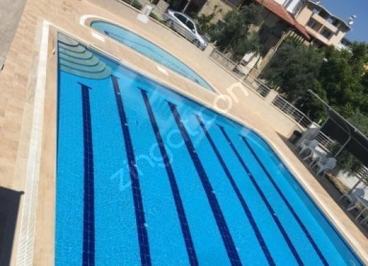 Kuşadası Soğucak'ta SADECE 2 AYLIK  Kiralık YAZLIK - Yüzme Havuzu