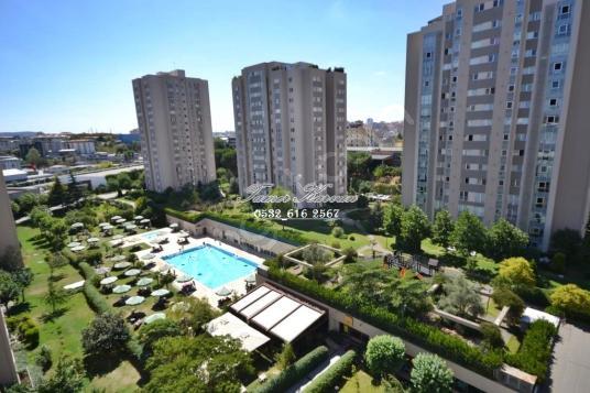 Çekmeköy Ağaoğlu Eltes Güneşi Satılık 3+1 Havuz Cepheli Daire - Site İçi Görünüm