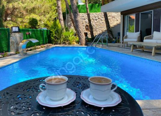 Urla Kalabak'ta 4+2 Satılık Lüks Villa - Yüzme Havuzu
