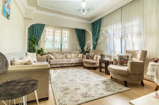 Menemen Emiralem de 364 M2 Arsa Üzerinde Satılık Müstakil Ev - Salon