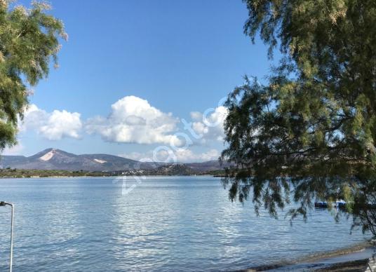 Çeşme'de Denize Sıfır, Özel Plajlı 5+1 Satılık Muhteşem Villa - Manzara