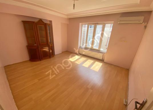 HOME'DEN CEBECİ MH'DE SATILIK 2+1 110M² KULLANIŞLI ARA KAT DAİRE - Salon