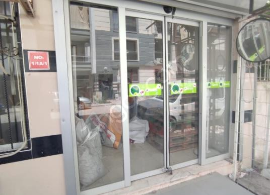 Yunusemre Muradiye Mahallesinde  38 m2 Satılık Dükkan - Balkon - Teras