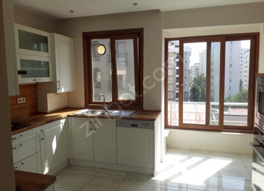 Ömer Paşa'da 2 balkonlu katta tek 123m2net 3+1 temiz ve bakımlı - Mutfak